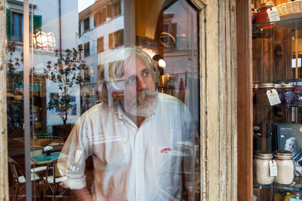 Lo Chef Fabio Picchi nel suo ristorante Cibreo